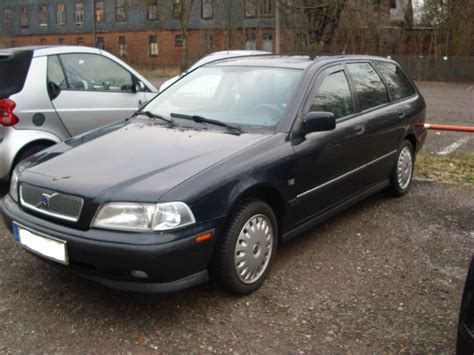 1999 Volvo V40 Manual