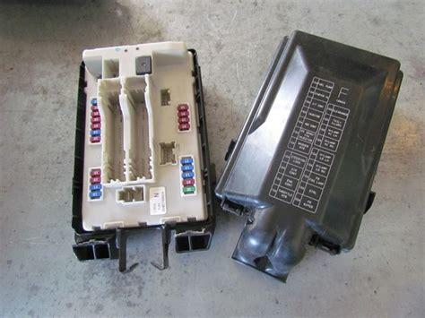 2011 G25x Infiniti Fuse Box