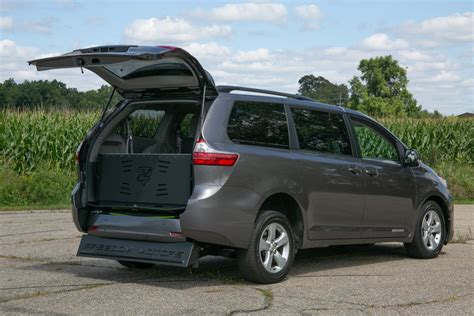 2016 Toyota Sienna Le Service Manual