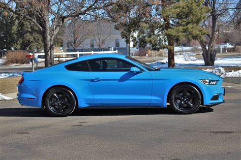 2017 Ford Mustang V6 Owners Manual