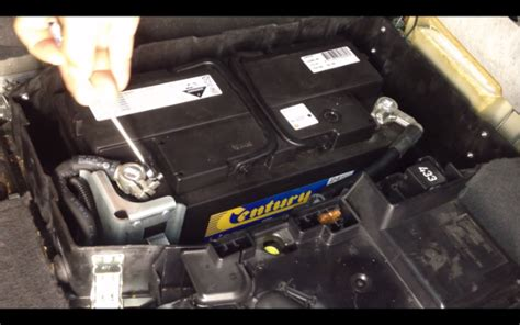 2018 Volkswagen Touareg Owners Manual Battery
