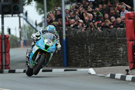 2019 Senior Tt Isle Of Man Tt Races 2019 Senior Race English Edition