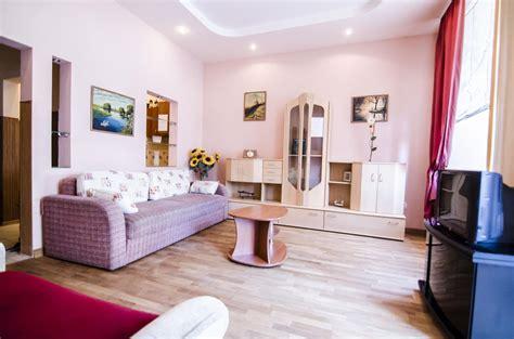 Three Bedrooms Apartment Rynok Sqr 27 Ukraine