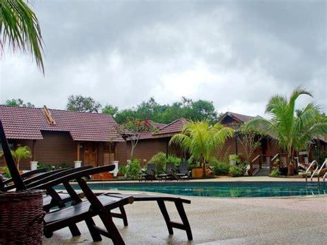 Ulek Beach Resort Malaysia