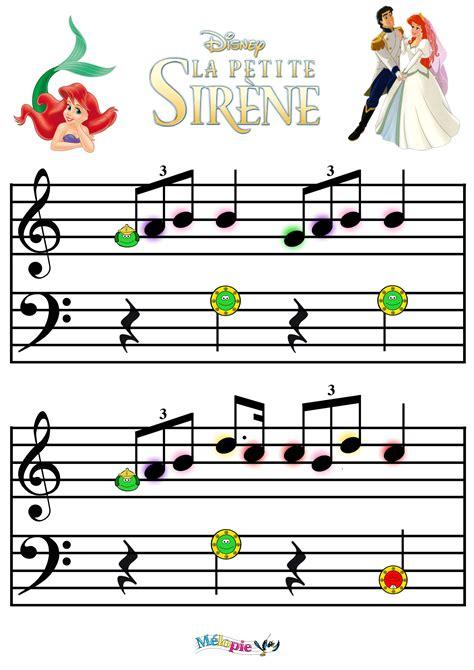 C Est Facile De Jouer Les Tubes De Disney Partitions Pour Piano Chant Et Guitare Symboles D Accords