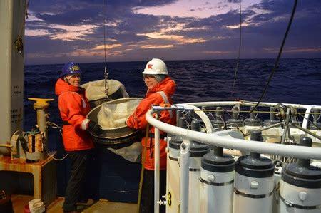 California Cooperative Oceanic Fisheries Investigations Atlas no. 4