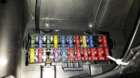 Ford Focus X Reg Fuse Box Location