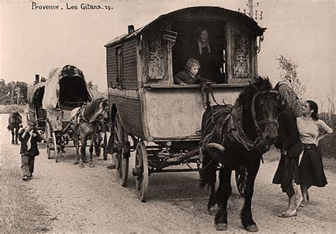 France Pays Des Droits Des Roms Gitans Bohemiens Gens Du Voyage Tsiganes Face Aux Pouvoirs Publics Depuis Le 19e Siecle