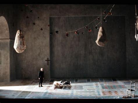 Gilles Aillaud, escenógrafo. Del lienzo a la escena