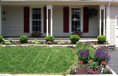 Growing Front Yard Gardens To Transform Bland Area Into Beautiful One