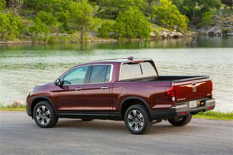 Honda Ridgeline Car Manual