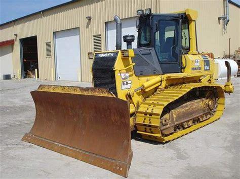 Komatsu D61ex 15 15e0 D61px 15 15e0 Bulldozer Service Shop Manual