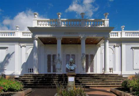 Le Musee Leon Dierx La Reunion