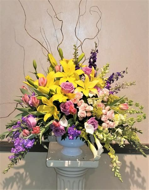 Living With Flowers Blooms Andamp Bouquets For The Home