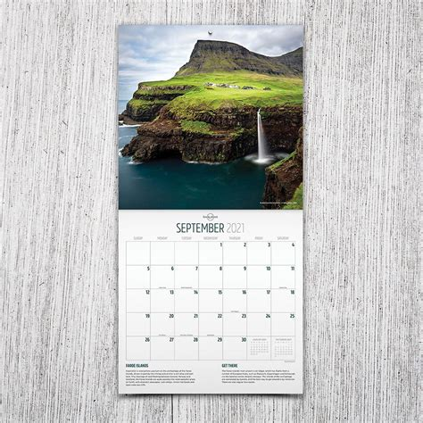 Lonely Planet Wall Calendar 2017 (Square)