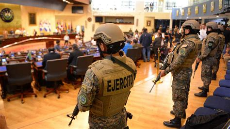 Militares Honorables No Toma