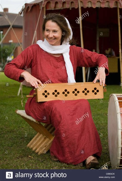 Murder At Yorkshire Castle A Robert Milo Mystery English Edition