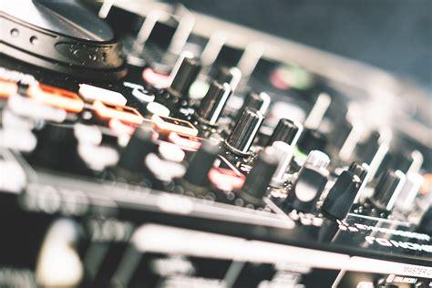 Réalisez vous-même un synthétiseur musical (Electronique)