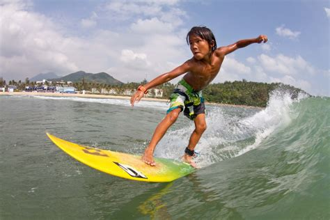 So You Want To Be A Professional Surfer A Beginners Guide