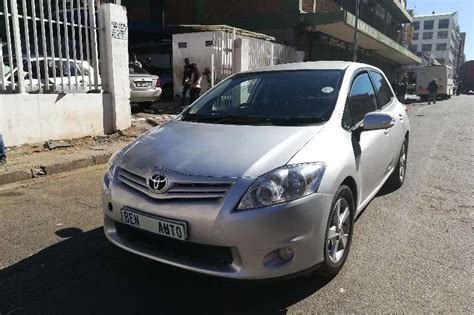 Toyota Auris 2010 User Manual