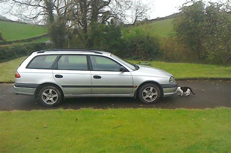 Toyota Avensis 2000 Estate Manual