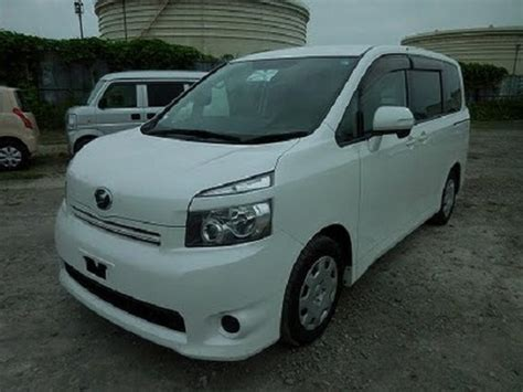 Toyota Noah Manual 2010